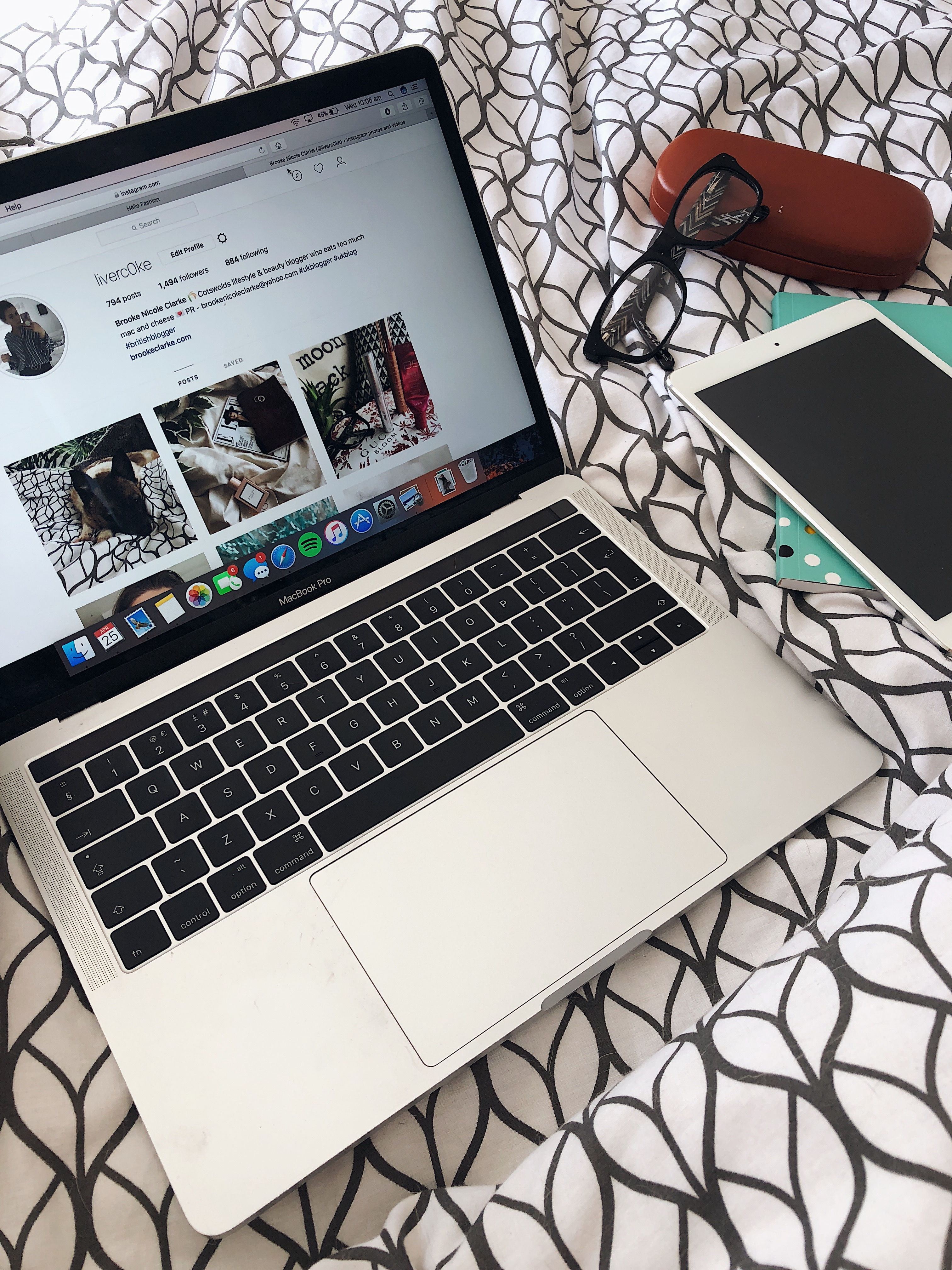 why I left my Instagram pods - photo of laptop and iPad
